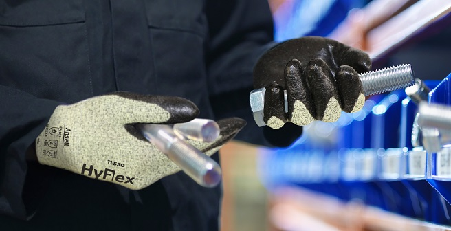 HyFlex 11-550 Glove with Intercept Technology
